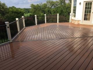 Custom Decks and Decks Remodeling